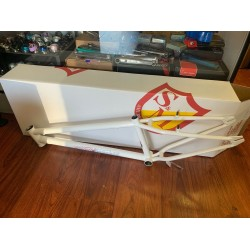 S&M 24 INCH STEEL PANTHER RACE FRAME WHITE 22 CRUISER